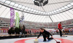 Zimowy curling na Stadionie Narodowym