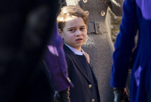 Książę George skończył niedawno 8 lat. Jest trzeci w prostej linii do tronu