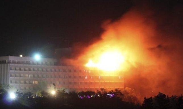 Do hotelu wtargnęło czterech uzbrojonych napastników
