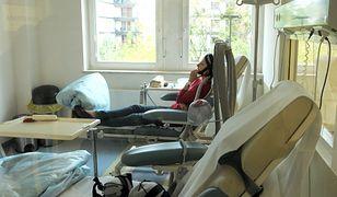 Koronawirus w Polsce. Onkologia w trudnym położeniu. Pacjenci czekają na informacje o leczeniu.