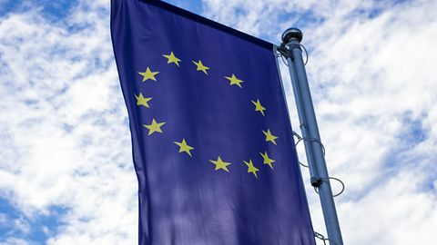 Microsoft prosi Komisję Europejską o zatwierdzenie przejęcia oddziału Nokii