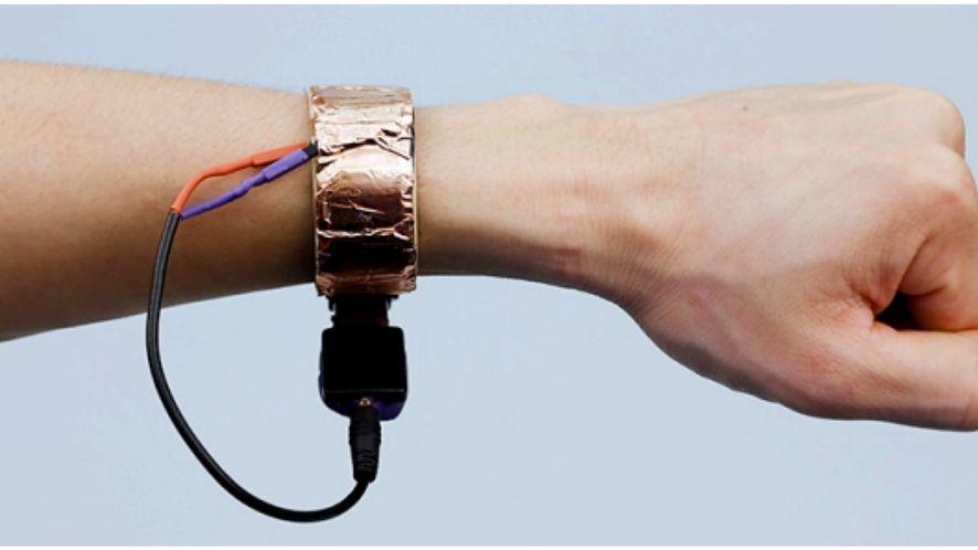 Smartzegarek Disneya monitoruje czego dotyka noszący