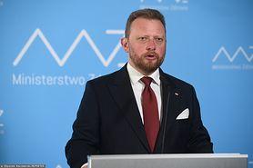 Koronawirus w Polsce. Minister zdrowia Łukasz Szumowski chce za darmo zaszczepić medyków. Wyjaśnia też działanie czerwonych stref