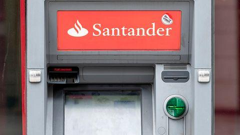 Santander Bank Polska ostrzega przed fałszywymi aplikacjami. Nigdy ich nie pobieraj