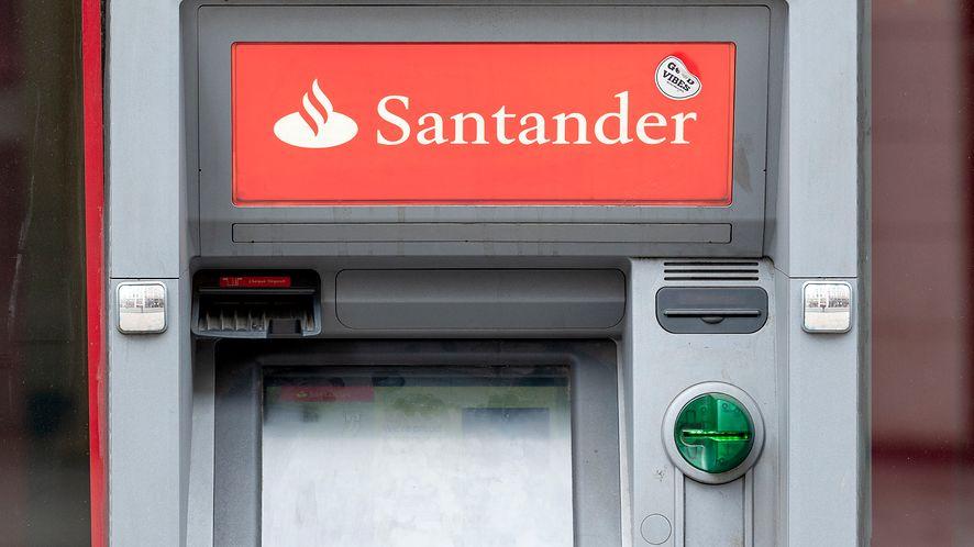 Santander przypomina o zachowaniu bezpieczeństwa w sieci /Fot. GettyImages