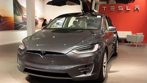 Tesla miała paść ofiarą cyberataku. Haker z Rosji chciał zapłacić milion dolarów