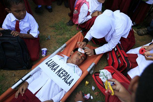 Lawina ziemna w Indonezji zabiła 7 osób, 108 zaginionych