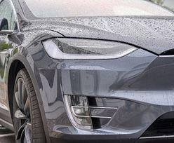 Rozpędzona Tesla na autopilocie zabiła 15-latka. Rodzina podjęła kroki