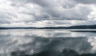 Na Jeziorze Solińskim (woj. podkarpackie) wywróciły się dwie łodzie wiosłowe