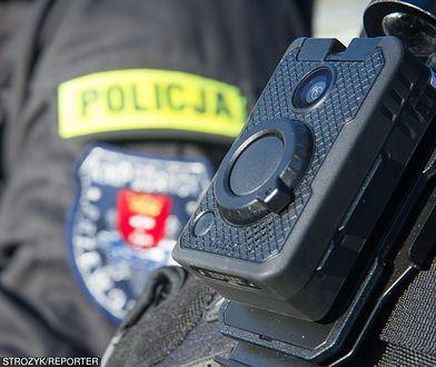 Policjanci zabezpieczyli uszkodzoną paralotnię