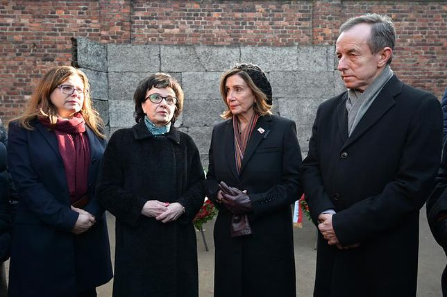 Amerykańska polityk Nancy Pelosi odwiedziła Auschwitz. O polskich ofiarach ani słowa