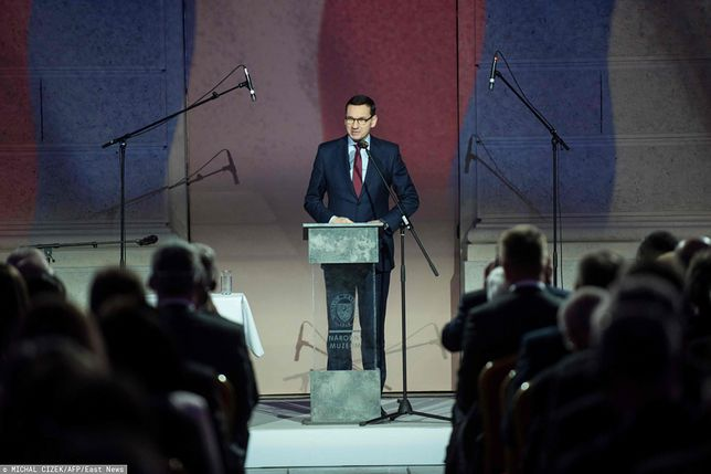 """Praga. Mateusz Morawiecki podczas rocznicy """"aksamitnej rewolucji"""""""