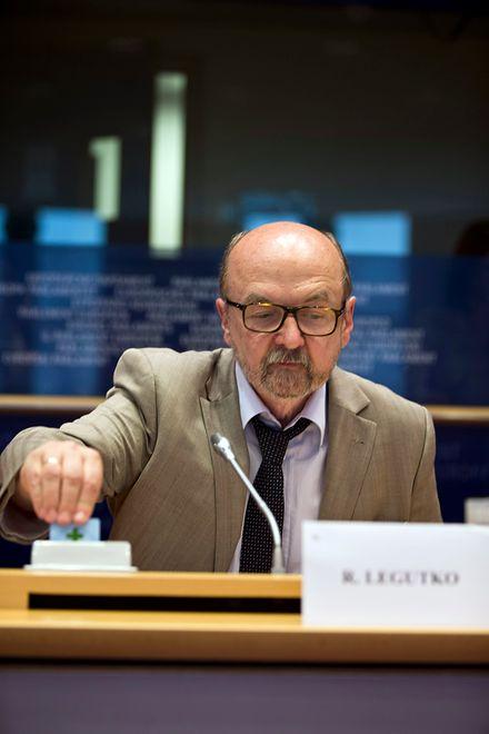 """Ryszard Legutko mówił o """"odrażającym cynizmie politycznym"""""""
