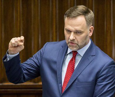 Dawid Jackiewicz przekazał nagrodę. Ale w sposób inny, niż oczekiwał tego Jarosław Kaczyński