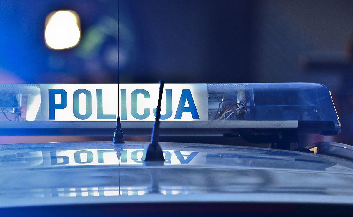 Warszawa. Policjanci zostali wezwani do pożaru szafki. Znaleźli narkotyki