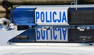Warszawa. Zderzenie auta z motocyklem. Kierowca samochodu uciekł, trwają jego poszukiwania