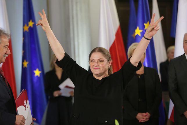 """Krystyna Pawłowicz umieszcza """"niewłaściwe treści""""? """"Facebook prymitywnie cenzuruje moje opinie"""""""