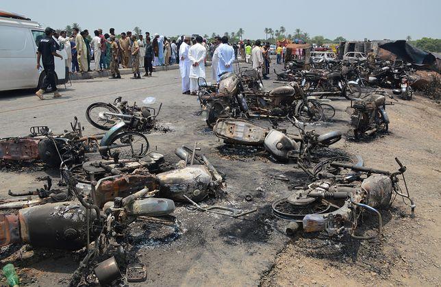 Miejsce eksplozji cysterny w Pakistanie