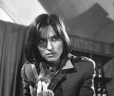 """Maria Wachowiak w filmie """"Daleka jest droga"""" (1963)"""