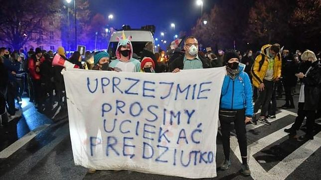 Warszawa. Apel o solidarność z zatrzymaną osobą