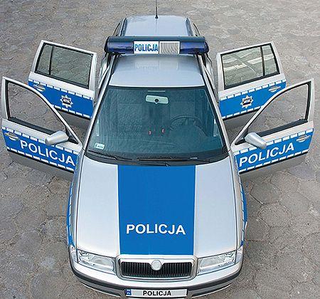 Nowe barwy policji - radiowozy będą teraz srebrne