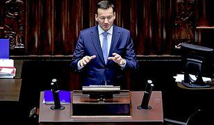 Mateusz Morawiecki argumentuje za wycofaniem kontrowersyjnych zapisów nowelizacji ustawy o IPN. Pytanie, czy nie za późno, i jak podobne ustępstwa odbierze elektorat Prawa i Sprawiedliwości?