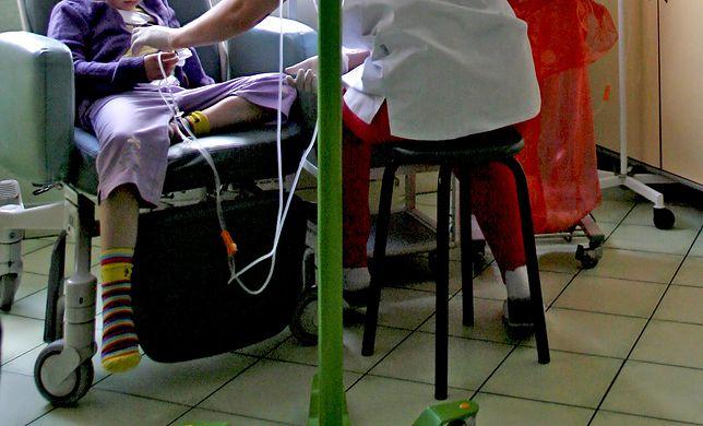 Lekarze robią wszystko, aby koronawirus nie przedostał się na oddziały onkologiczne, czyli do pacjentów z największej grupy ryzyka.