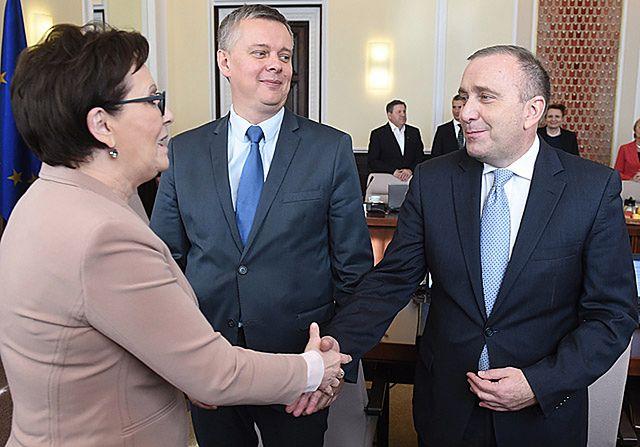 Schetyna kontra Kopacz. Wojna o przywództwo w PO