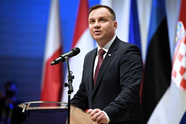 """""""Andrzej Duda nie chce iść na zwarcie"""". Borys Budka """"odsłania"""" intencje prezydenta"""