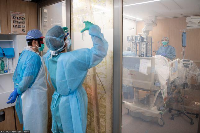 Naukowcy zastanawiają się nad możliwościami reaktywacji koronaiwrusa u wyleczonych pacjentów.