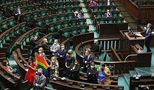 """Skandaliczne słowa, okrzyki i gwizdy. Tak debatowano nad ustawą Godek """"Stop LGBT"""""""