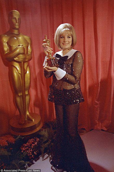 O słynnym przezroczystym zestawie z gali rozdania Oscarów