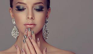 Modne paznokcie na sylwestra. Najlepsze propozycje manicure imprezowego