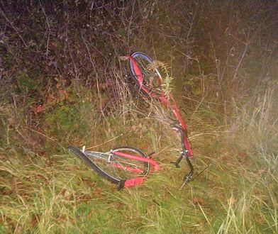 Piotrkowice. 50-latek potrącił na prostej drodze rowerzystów. 17-latka zmarła