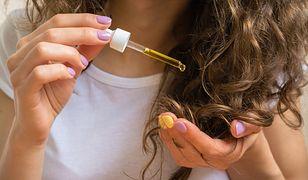 Wcierki do włosów na porost zatrzymują nadmierne wypadanie włosów