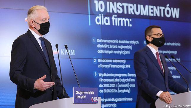 Koronawirus. Wicepremier Jarosław Gowin oraz premier Mateusz Morawiecki