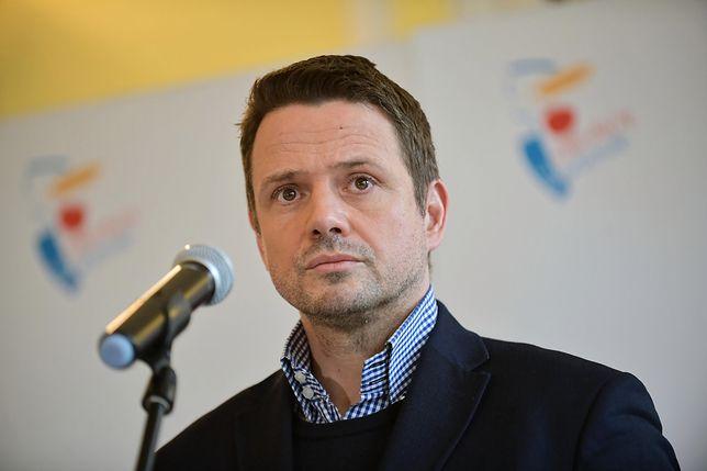 Koronawirus w Polsce. Warszawa. Rafał Trzaskowski komentuje rządowe restrykcje ws. komunikacji publicznej