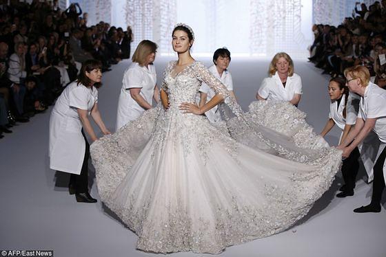 Zjawiskowa suknia ślubna Ralph & Russo