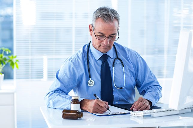 Niektóre kobiety traktują związek z lekarzem jako wyróżnienie