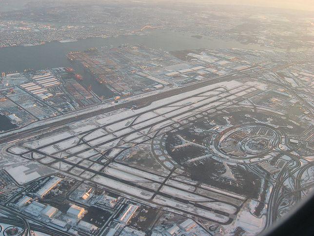 Z portu lotniczego Newark-Liberty można w prosty sposób dostać się do centrum Nowego Jorku