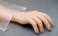Sztuczna ręka sterowana myślami