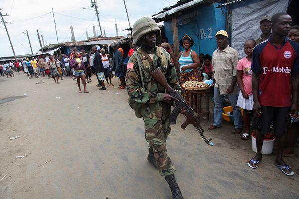 Liberia: zamieszki w ogarniętej epidemią stolicy