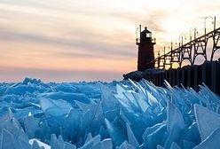 Jezioro Michigan pokryło się lodem. Teraz popękał i stworzył coś magicznego