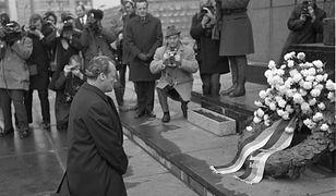 """""""Sueddeutsche Zeitung"""" o geście Willy Brandta sprzed 50 lat: pojednanie, spory i handel"""