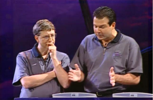 Bill Gates i Tod Nielsen prezentują Active Directory na PDC 98