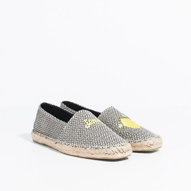 Kiedy kochasz płaskie buty. Najmodniejsze espadryle na lato