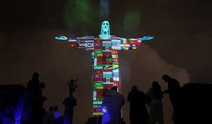 Rio de Janeiro. Oświetlili pomnik Chrystusa Odkupiciela flagami państw