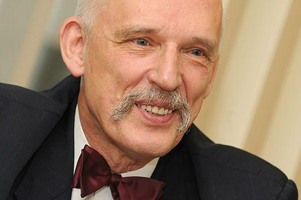 Zasnął? Janusz Korwin-Mikke wyjaśnia zachowanie w PE