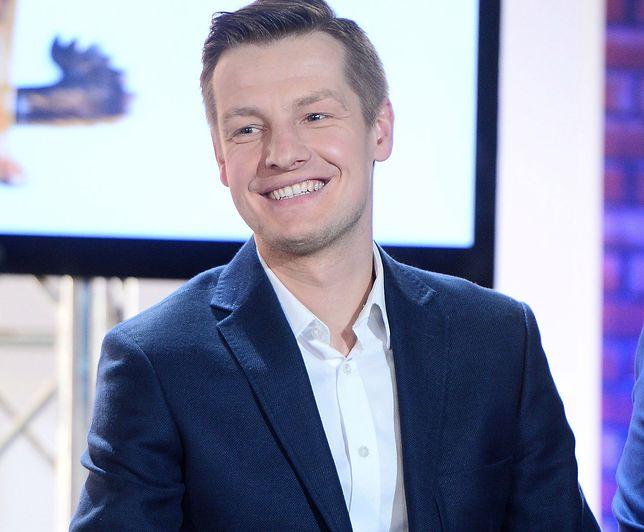 """Rafał Mroczek wrzucił zdjęcie, które zaniepokoiło fanów """"M jak miłość""""."""
