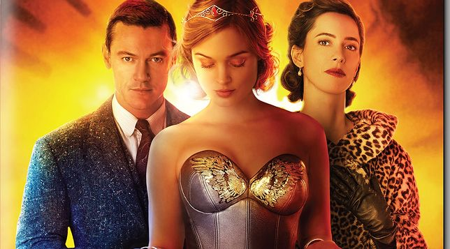 "Luke Evans, Bella Heathcote i Rebecca Hall na okładce ""Profesora Marstona i Wonder Woman"""